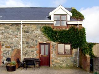 SALTEE COTTAGE, pet friendly, character holiday cottage, with a garden in