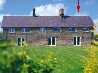 STEPHEN'S COTTAGE, family friendly, character holiday cottage, with a garden in Alnmouth, Ref 787