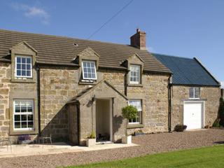 THE OLD FARMHOUSE, family friendly, luxury holiday cottage, with a garden in