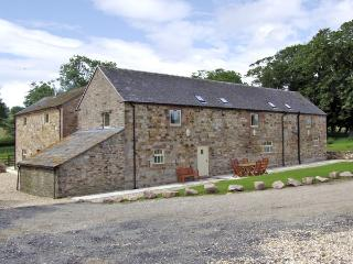 THE RINDLE, family friendly, character holiday cottage, with a garden in