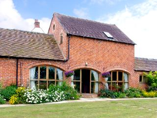 THE WAINSCOTT, family friendly, country holiday cottage, with a garden in Great Lyth, Ref 2602, Shrewsbury