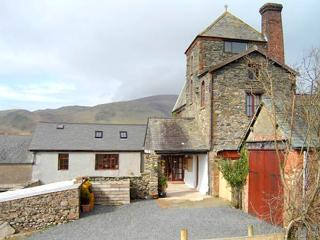 TOWER COTTAGE, family friendly, character holiday cottage, with a garden in Kirksanton, Ref 2698
