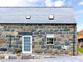 YSGYBOR YD, family friendly, character holiday cottage, with a garden in Criccieth, Ref 2370