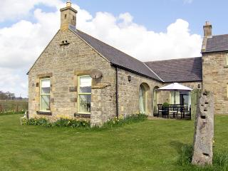 THE BYRE, family friendly, country holiday cottage, with a garden in Southwitton, Ref 1783, Morpeth