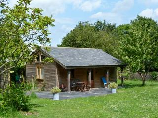 THE SPRINGS, romantic, luxury holiday cottage, with pool in Ryde, Isle Of Wight,
