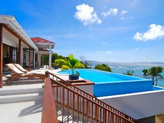 Beachfront Plantation House/ 5 Bed - Bequia