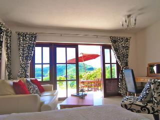 Beachfront Plantation House - Udo/ 1 Bed - Bequia