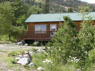 Mountainside Cabins - Gil's & Cubby, McLeod