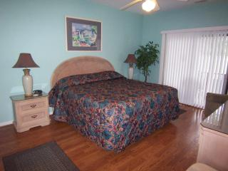 2 BR (3DLL2), King & 2 Qns, 1 Mile from the Beach, Sunset Beach
