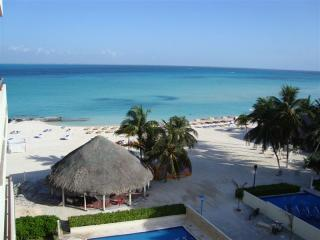 Upscale oceanfront condo on beautiful Isla Mujeres