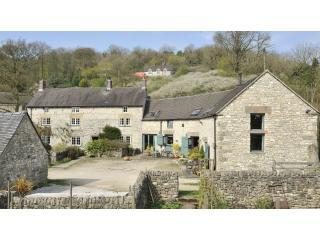 Tom's and Douglas's Barns at Orchard Farm in the beautiful Derbyshire Peak District