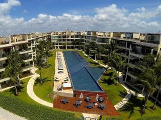 3rd Floor home overlooking the Ocean and Beaches at The Elements, Playa del Carmen
