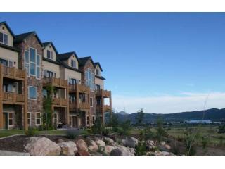 Eden Luxury! Spectacular Views. End Unit w/Wall of Windows. Minutes to Skiing.