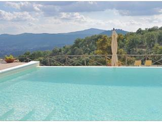 Fontanelle has an infinity pool with beautiful views of the surrounding countryside and valley below