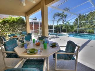 Upscale 5 bed pool home, gated community nr Disney, Orlando