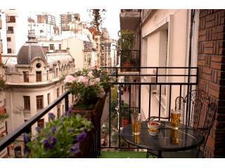 Lovely Recoleta  Balcony - Buenos Aires, Argentina