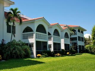 B-2 Breakers West, 2BR/2BA Condo, Olde-Fla Charm, Isla de Sanibel