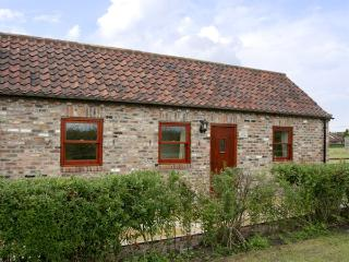 LODGE COTTAGE, romantic, country holiday cottage, with a garden in York, Ref