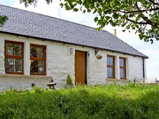 THE OLD COTTAGE, romantic, country holiday cottage, with open fire in Suladale, Isle Of Skye, Ref 2676, Portree