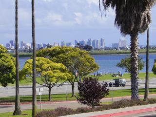 Bay Front Luxury with Bay and City Skyline Views, San Diego