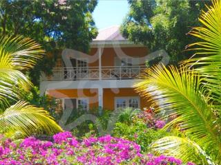 Avalon By The Sea  Whole House - Bequia, Lower Bay