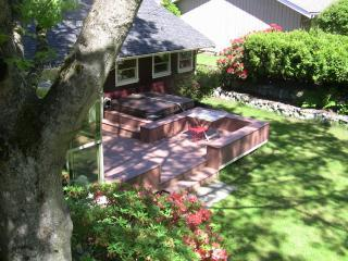 Contemporary Luxury on 244 Acre Park