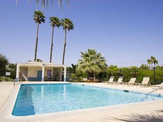 Indian Canyon Vacation Townhome, Palm Springs