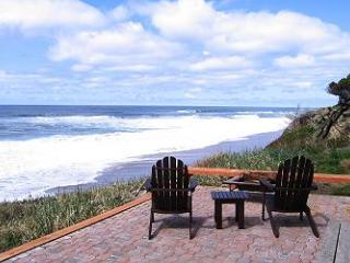 Andante~ Oceanfront Vacation Rental on the Oregon Coast, Depoe Bay
