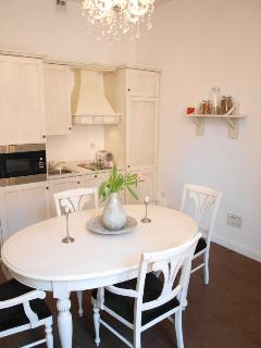 Kitchen with dining table for 4