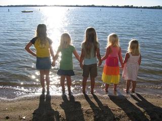 5 little girlfriends in sunset