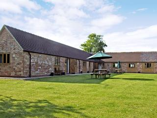 THE DAIRY, family friendly, country holiday cottage, with a garden in Clifford