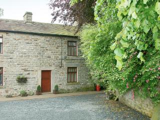 GARDEN COTTAGE, pet friendly, character holiday cottage, with a garden in Mickle