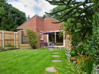 THORNLEA, family friendly, country holiday cottage, with a garden in Richmond, Ref 249