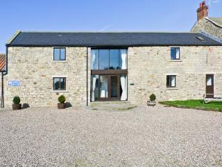 MILLSTONE, pet friendly, character holiday cottage, with a garden in Staindrop Near Barnard Castle, Ref 897
