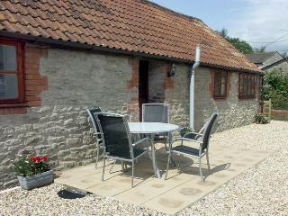 PRIMROSE COTTAGE, family friendly, country holiday cottage, with a garden in Henstridge, Ref 2029