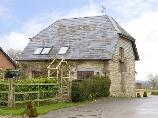 THE STABLES, pet friendly, character holiday cottage, with a garden in