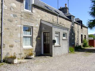 CRAIGVIEW COTTAGE, family friendly, country holiday cottage in Grantown-On-Spey,