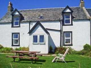 PENNYSEORACH FARM, pet friendly, country holiday cottage, with a garden in