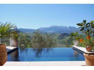 An exquisitely beautiful mountain villa near Ronda