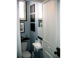 Badezimmer mit WC, die anderen WC ist im Bad