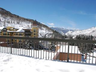 3 BR/3BA Private Penthouse Condo, Vail Spa Resort
