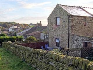 ROSE BARN, pet friendly, character holiday cottage, with a garden in Sparrowpit, Ref 3686, Derbyshire