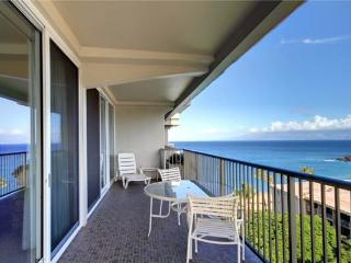 Whaler 1124 Awesome Views Wonderful remodel - BEST, Lahaina