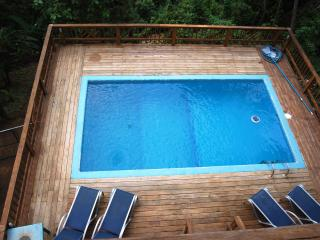 Casa Ladera Roatan West End - 6 brs, pool, 3 lvls