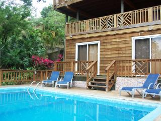 Casa Ladera Roatan West End - 6 brs, pool, 3 lvls
