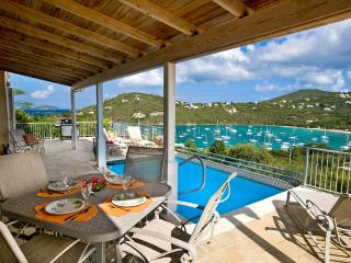 Outdoor dining on pool deck