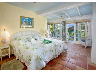 Lower Master bedroom suite has a/c, TV/Cable, microwave, mini frig and microwave