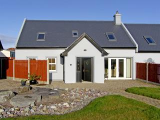 2 THE COURT, family friendly, with a garden in Kinsale, County Cork, Ref 3731