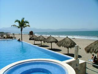 Oceano Sueno -  A 3BR/2BA Luxury Beachfront Condo With Panoramic Views