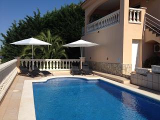 Casa Leander, Luxury private villa and pool, Roses